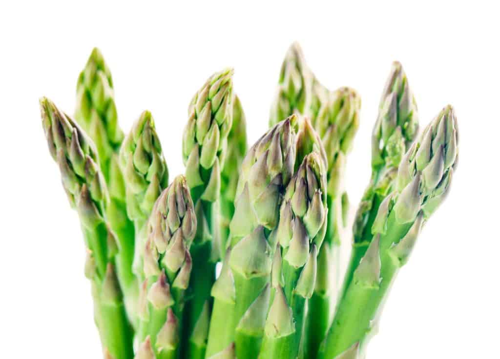 what do asparagus taste like
